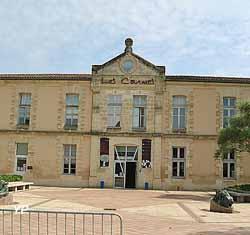 Centre culturel des Carmes (ancien couvent des Carmes) (Yalta Production)