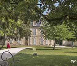 Parc du château de Pouilly (Philippe Maupetit)