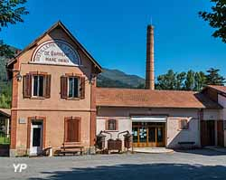 Musée de la Distillerie (Verdon Pictures − Secrets de Fabriques)
