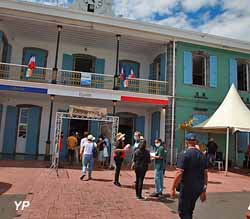 Place du 2 Décembre - hotel de Ville Saint-André (Ville de Saint André)