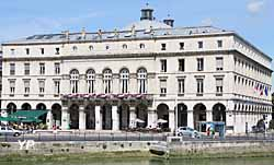 hôtel de ville (doc. Yalta Production)