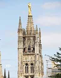 Notre Dame d'Aquitaine au sommet de la tour Pey Beyland