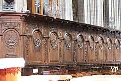 boiseries du coeur de la cathédrale Sainte-Croix