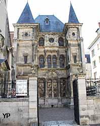 Hôtel Cabu - Musée Historique et Archéologique de l'Orléanais (Yalta Production)