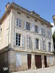 Hôtel de Lespinay de Beaumont (Yalta Production)