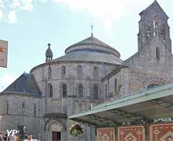 Abbatiale de Sainte-Croix (Yalta Production)