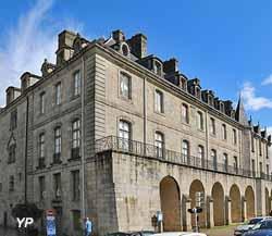 Musée départemental Breton - Palais épiscopal